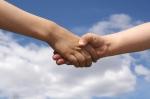 kids-shaking-hands-1532456